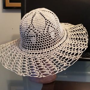 Accessories - Straw hat
